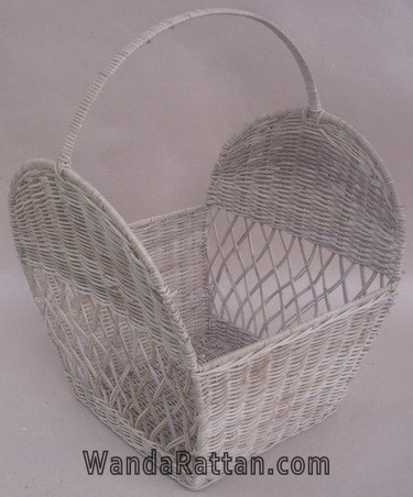 Basket made of Slimit rattan